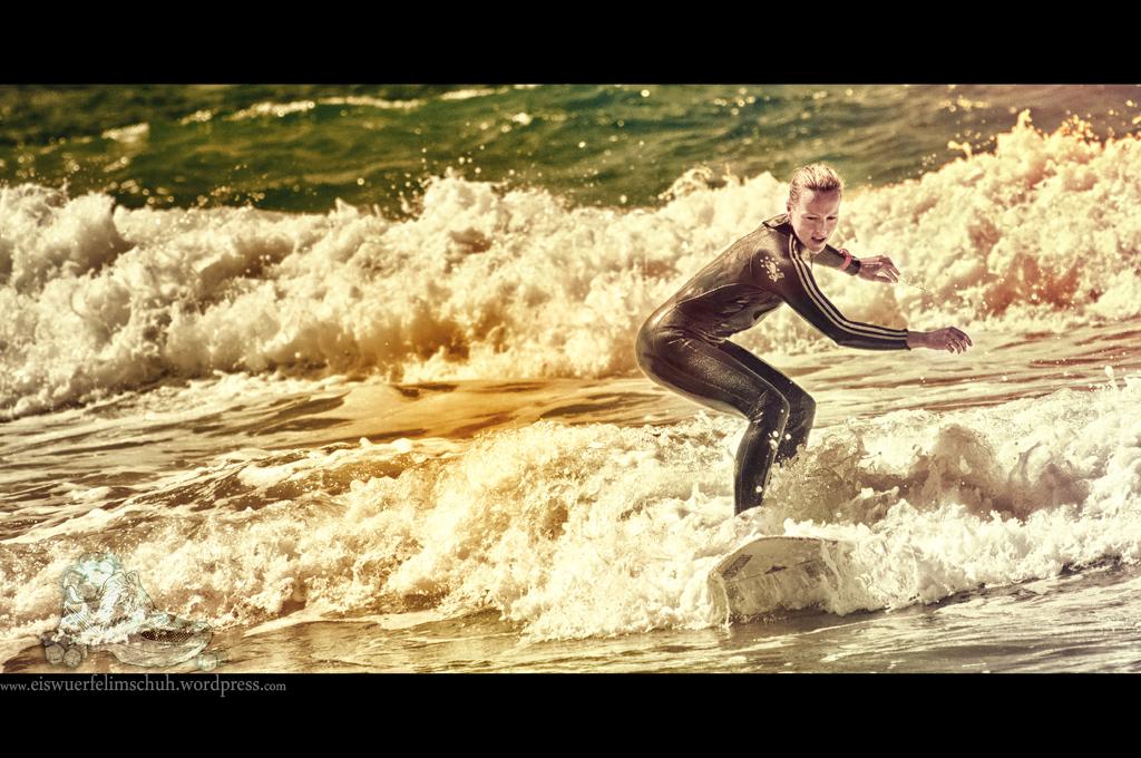 Surfing-Girl-Fuerteventura (04)