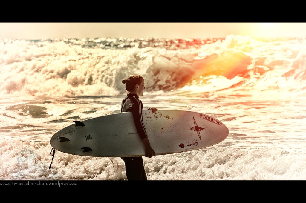 Surfing-Girl-Fuerteventura (05)