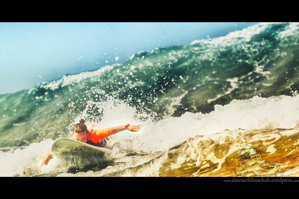 Surfing-Girl-Fuerteventura (07)