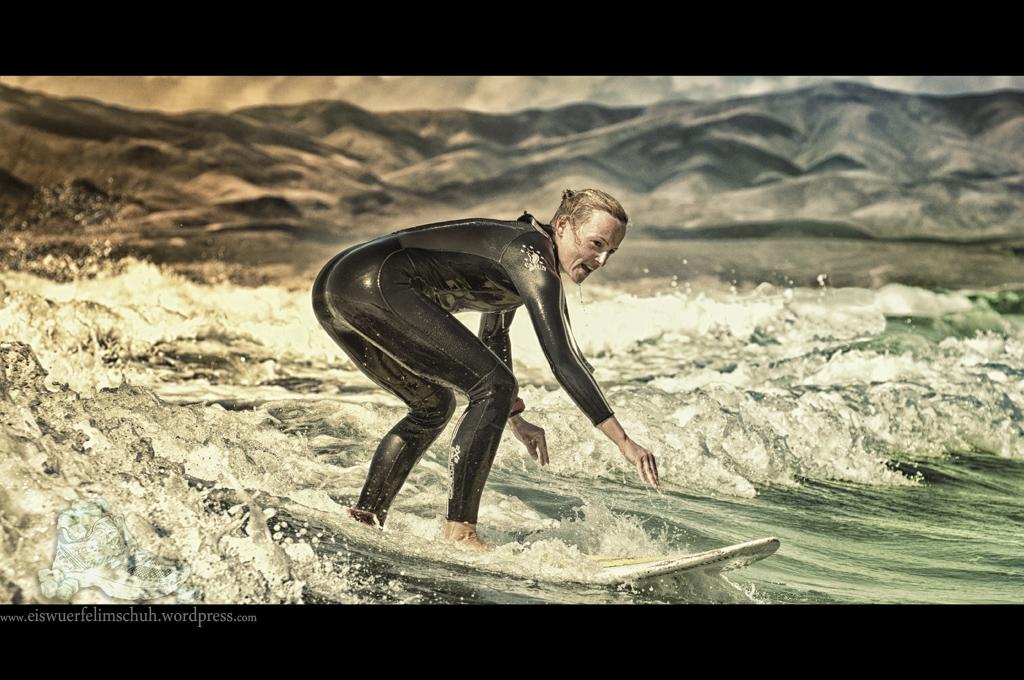 Surfing-Girl-Fuerteventura (08)
