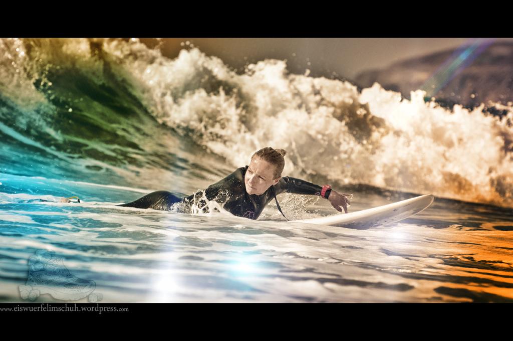 Surfing-Girl-Fuerteventura (10)