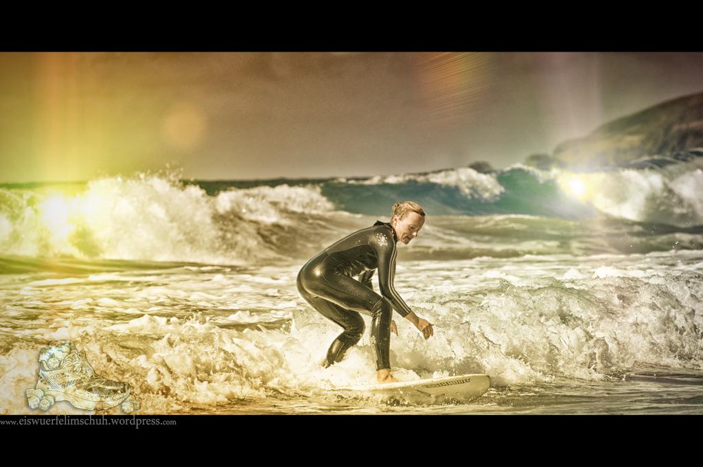 Surfing-Girl-Fuerteventura (11)