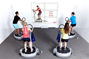06_McFit_Pressebild_CYBERTRAINING-Power_Plate