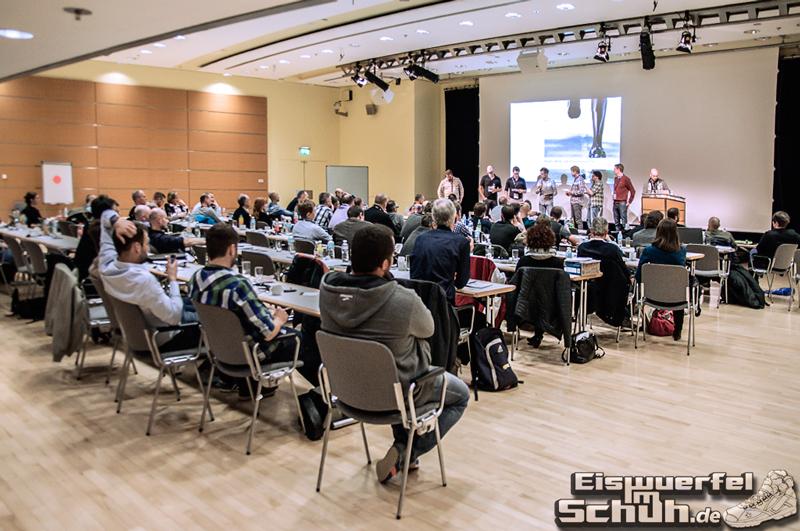 EISWUERFELIMSCHUH Sportmesse Laufschuh-Symposium ISPO 2014 (02)