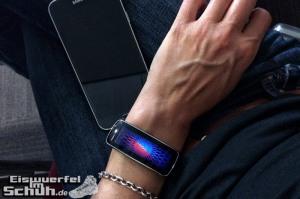 Eiswuerfelimschuh-Frankfurt-SportScheck-Samsung-Galaxy-S5-Gear-Fit-2