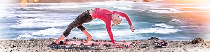 EISWUERFELIMSCHUH - YOGA Motivation Ocean Beach Summer Sun Cliff Header