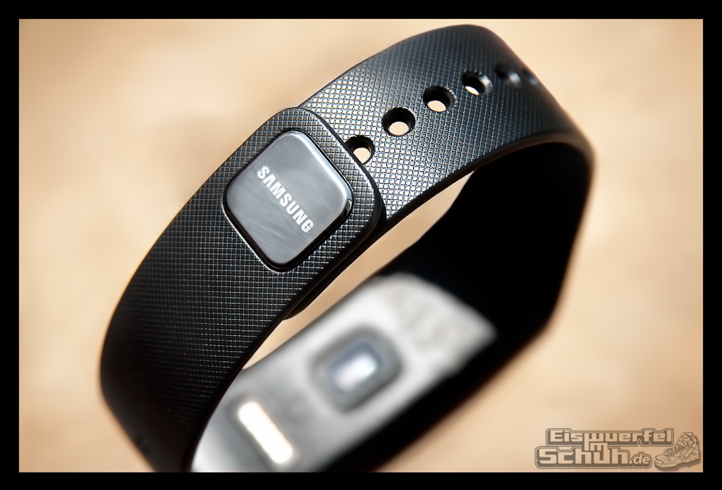 EISWUERFELIMSCHUH - SAMSUNG GEAR FIT TEST Fitness Tracker (5)