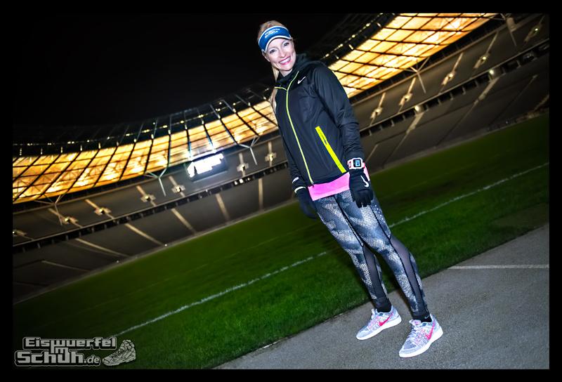EISWUERFELIMSCHUH - NIKE BERLIN Womens Run Kick Off Olympiastadion (1)