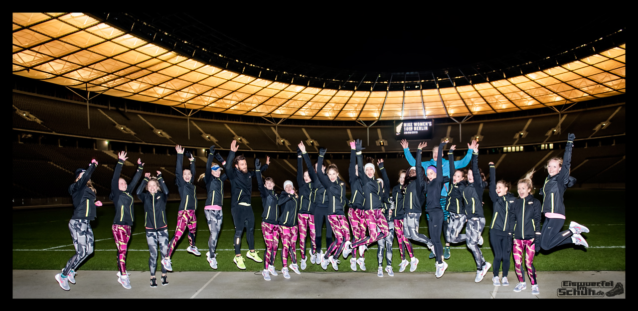 EISWUERFELIMSCHUH - NIKE BERLIN Womens Run Kick Off Olympiastadion (60)