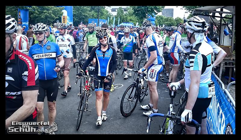EISWUERFELIMSCHUH - GARMIN VELOTHON BERLIN 2015 Radrennen (56)