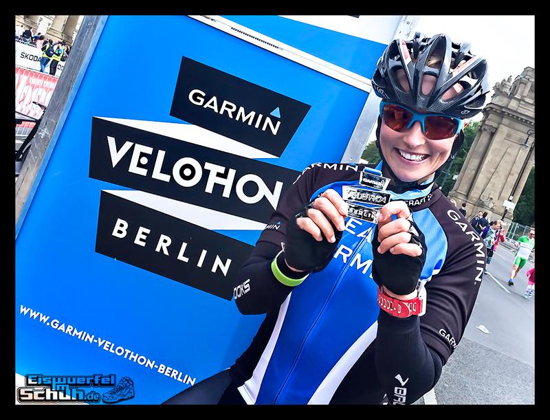 EISWUERFELIMSCHUH - GARMIN VELOTHON BERLIN 2015 Radrennen (75)