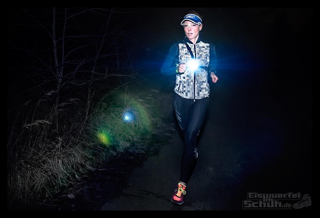 EISWUERFELIMSCHUH - Laufen Bei Dunkelheit TIPS NIKE SKINS New Balance Garmin (10)