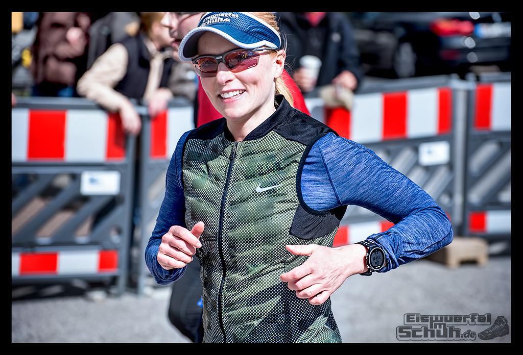 EISWUERFELIMSCHUH - Hamburg Marathon Laufen Haspa Mizuno (1)