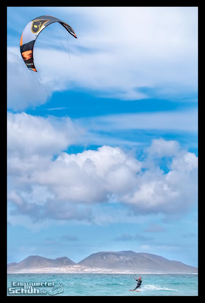 EISWUERFELIMSCHUH - Surfgeschichten Lanzarote Famara Surfen Kite I (15)